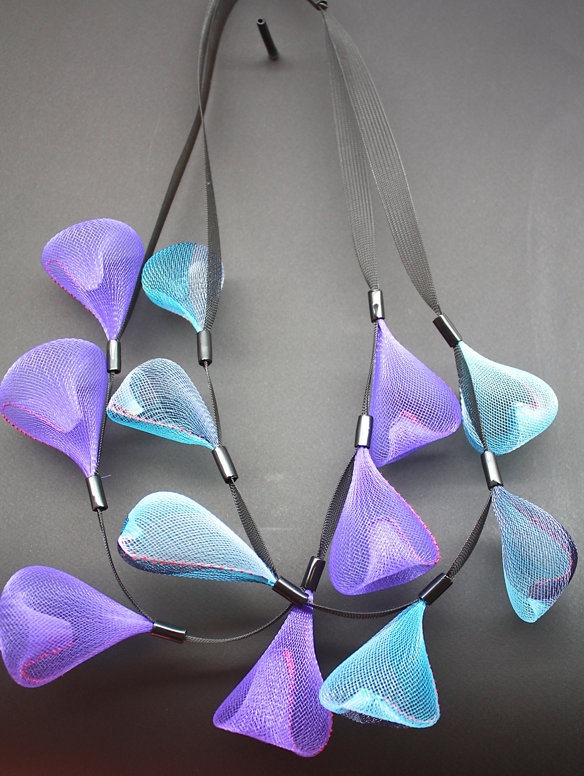 Sautoir perle de pluie bleu et violet